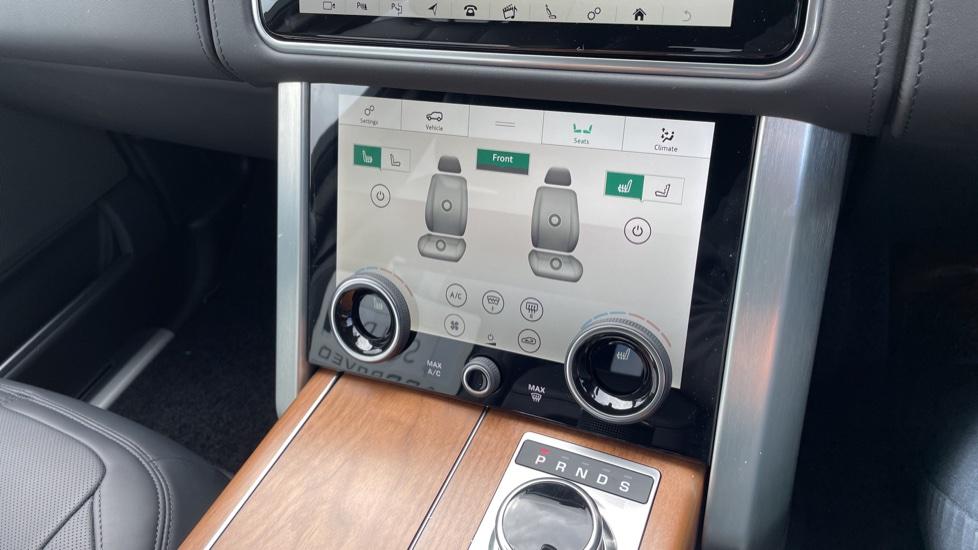 Land Rover Range Rover 3.0 D350 Autobiography 4dr Auto image 32