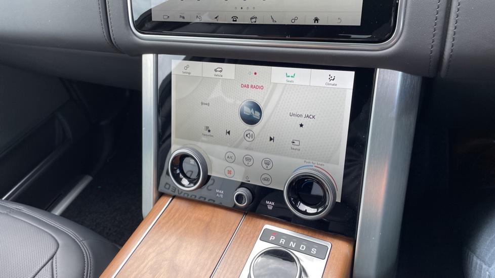 Land Rover Range Rover 3.0 D350 Autobiography 4dr Auto image 35