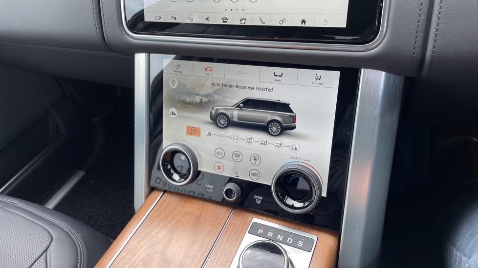 Land Rover Range Rover 3.0 D350 Autobiography 4dr Auto image 36