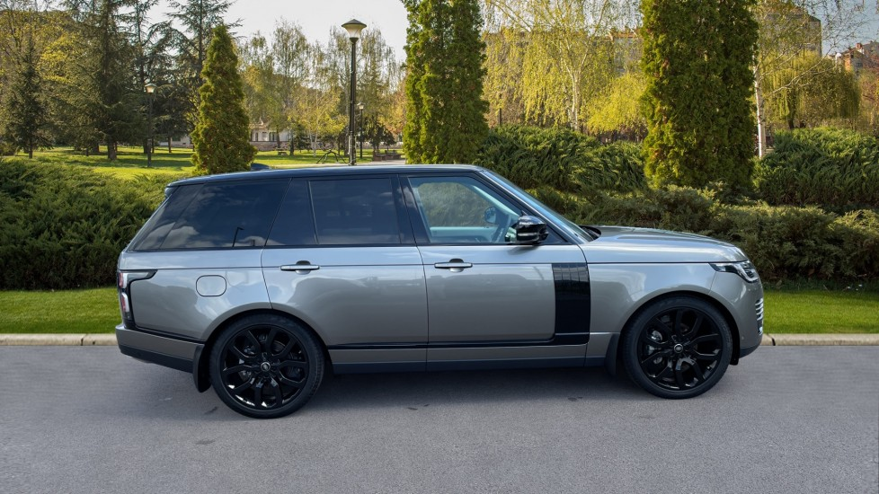 Land Rover Range Rover 3.0 SDV6 Vogue SE 4dr Auto Sliding panoramic roof, Privacy glass image 5