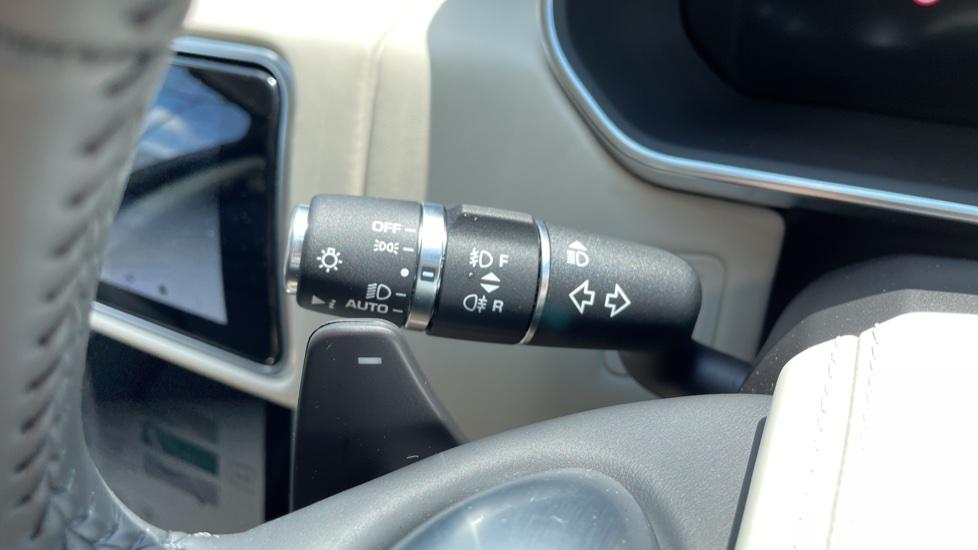 Land Rover Range Rover 3.0 SDV6 Vogue SE 4dr Auto Sliding panoramic roof, Privacy glass image 18