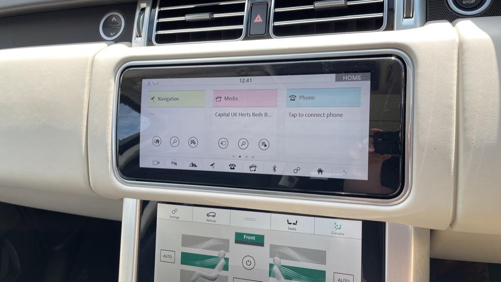 Land Rover Range Rover 3.0 SDV6 Vogue SE 4dr Auto Sliding panoramic roof, Privacy glass image 19