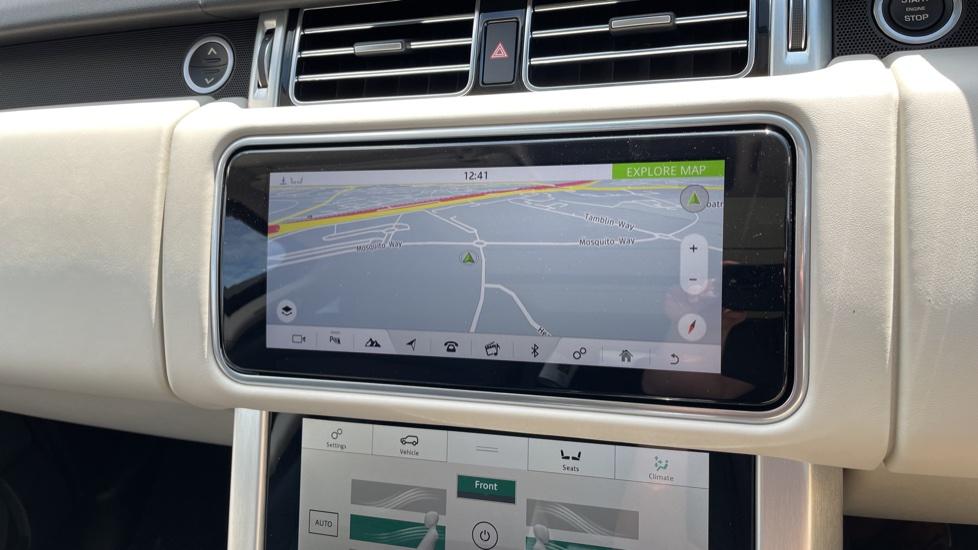 Land Rover Range Rover 3.0 SDV6 Vogue SE 4dr Auto Sliding panoramic roof, Privacy glass image 20