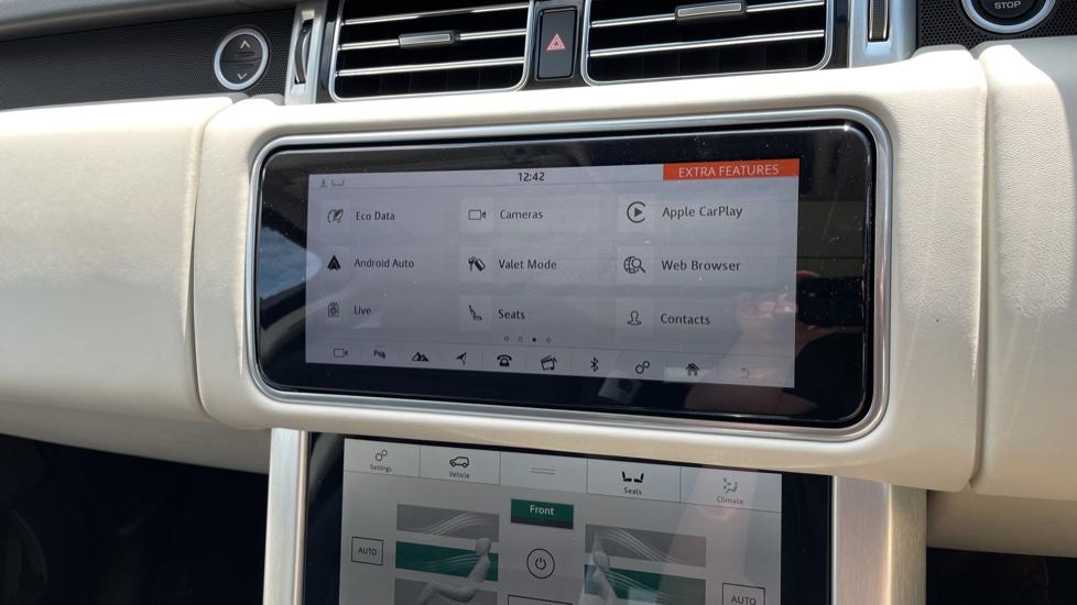 Land Rover Range Rover 3.0 SDV6 Vogue SE 4dr Auto Sliding panoramic roof, Privacy glass image 23