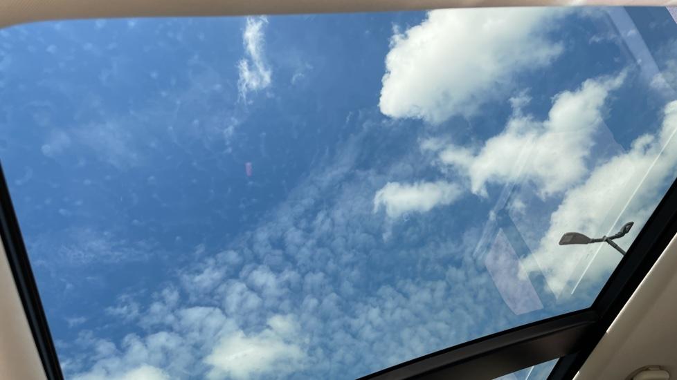 Land Rover Range Rover 3.0 SDV6 Vogue SE 4dr Auto Sliding panoramic roof, Privacy glass image 35