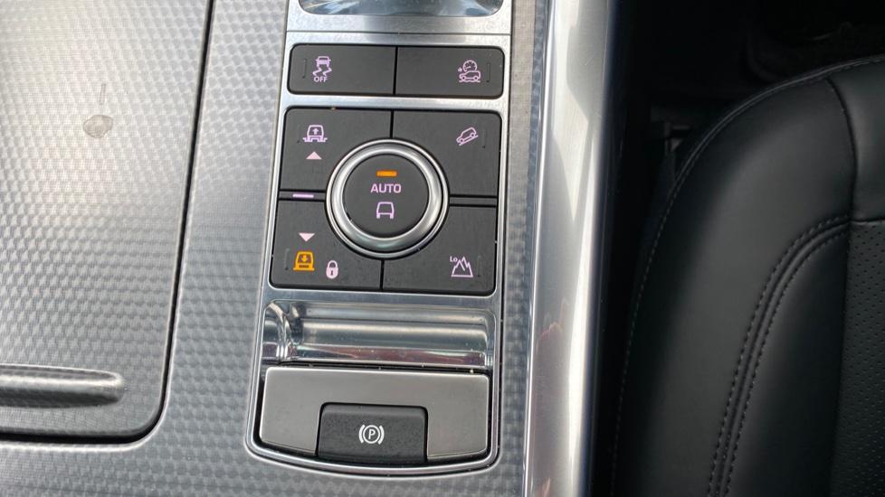 Land Rover Range Rover Sport 3.0 SDV6 HSE Dynamic 5dr image 36