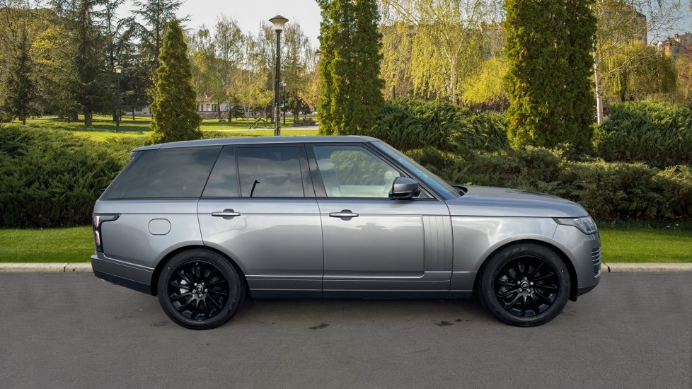 Land Rover Range Rover 3.0 SDV6 Vogue 4dr CD/DVD player, Heated steering wheel image 5