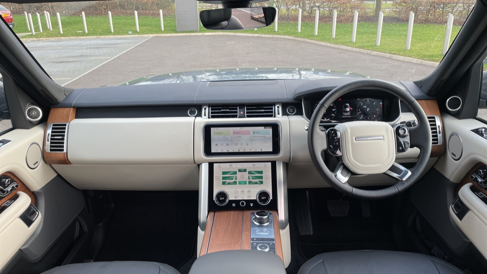 Land Rover Range Rover 3.0 SDV6 Vogue 4dr CD/DVD player, Heated steering wheel image 9