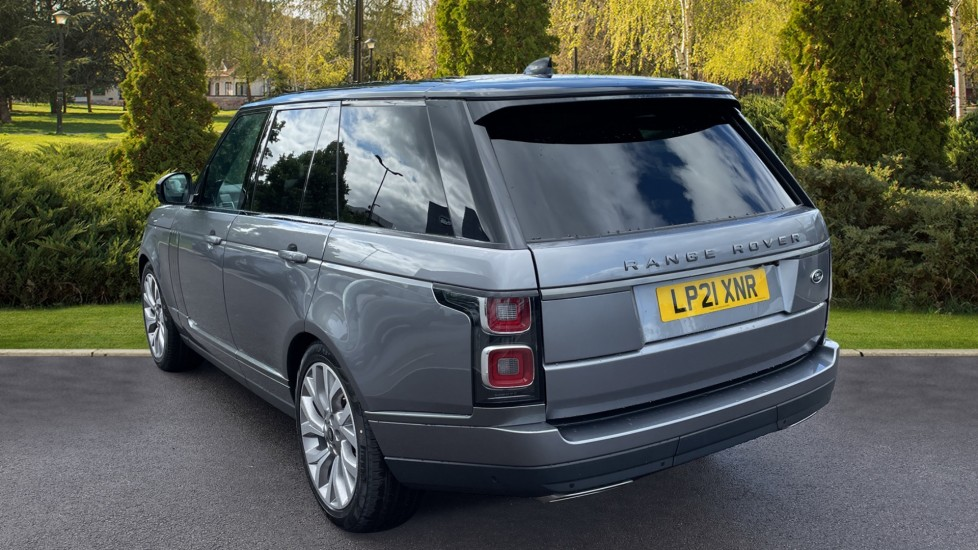 Land Rover Range Rover 3.0 D300 Autobiography 4dr Auto  Head-up Display, Privacy glass image 2