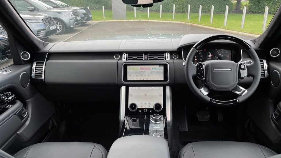 Land Rover Range Rover 3.0 D300 Autobiography 4dr Auto  Head-up Display, Privacy glass image 9