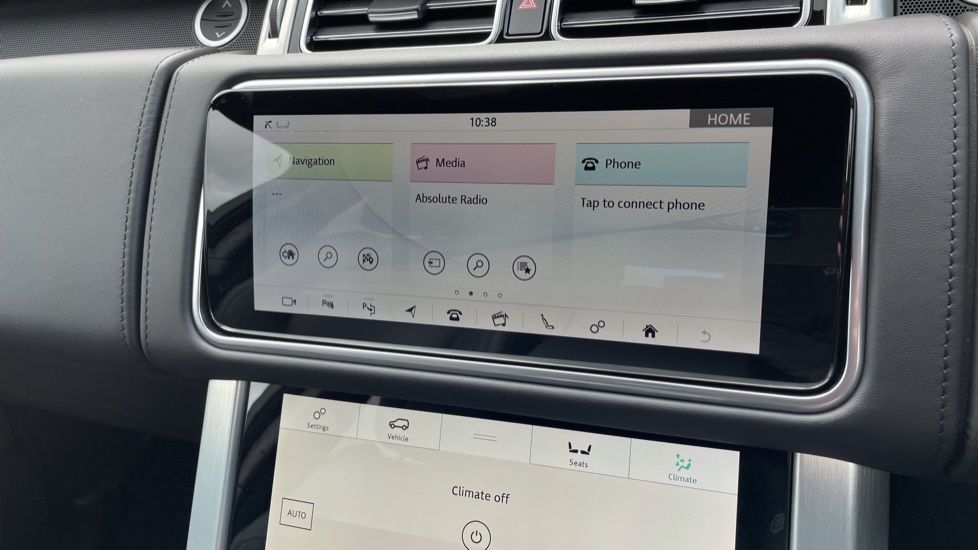 Land Rover Range Rover 3.0 D300 Autobiography 4dr Auto  Head-up Display, Privacy glass image 21