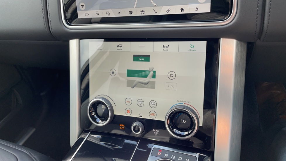 Land Rover Range Rover 3.0 D300 Autobiography 4dr Auto  Head-up Display, Privacy glass image 31
