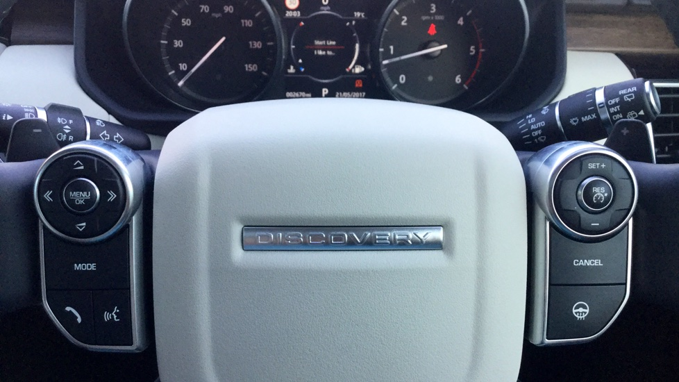 Land Rover Discovery 3.0 TD6 HSE Luxury 5dr image 13