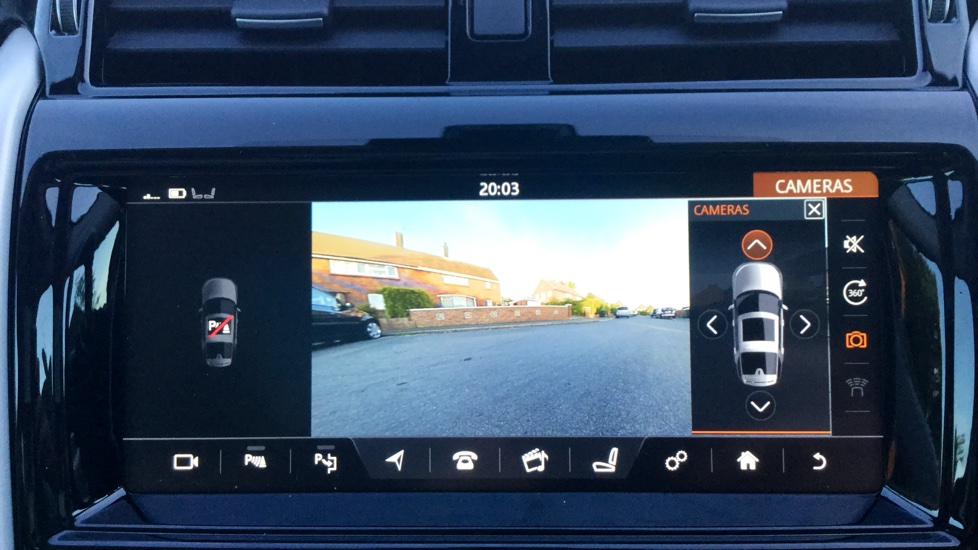 Land Rover Discovery 3.0 TD6 HSE Luxury 5dr image 18