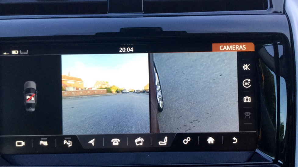 Land Rover Discovery 3.0 TD6 HSE Luxury 5dr image 19