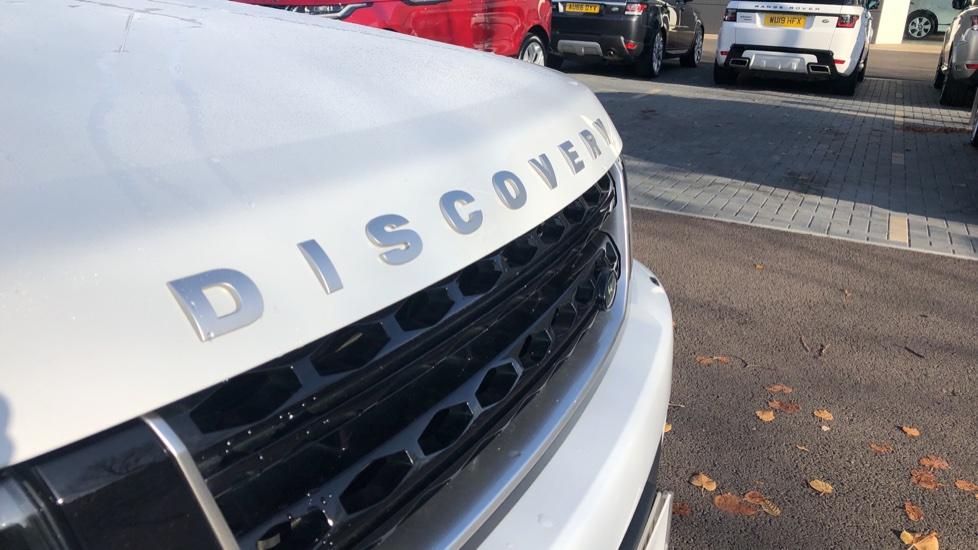 Land Rover Discovery 3.0 SDV6 Landmark 5dr image 10