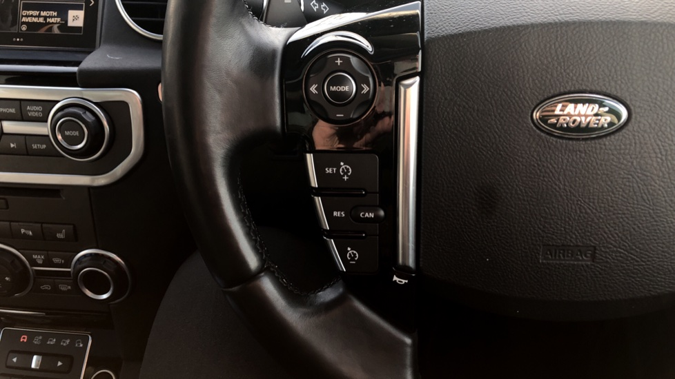 Land Rover Discovery 3.0 SDV6 Landmark 5dr image 15