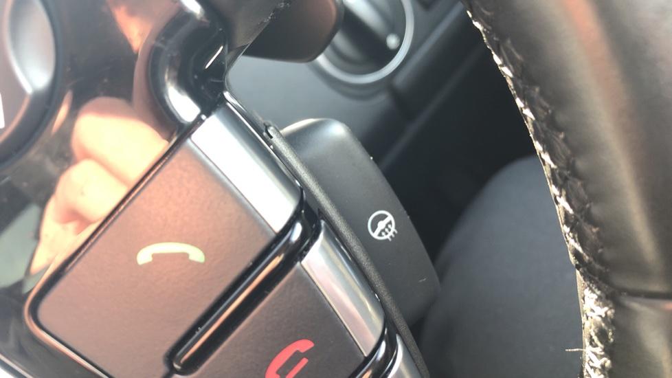 Land Rover Discovery 3.0 SDV6 Landmark 5dr image 17