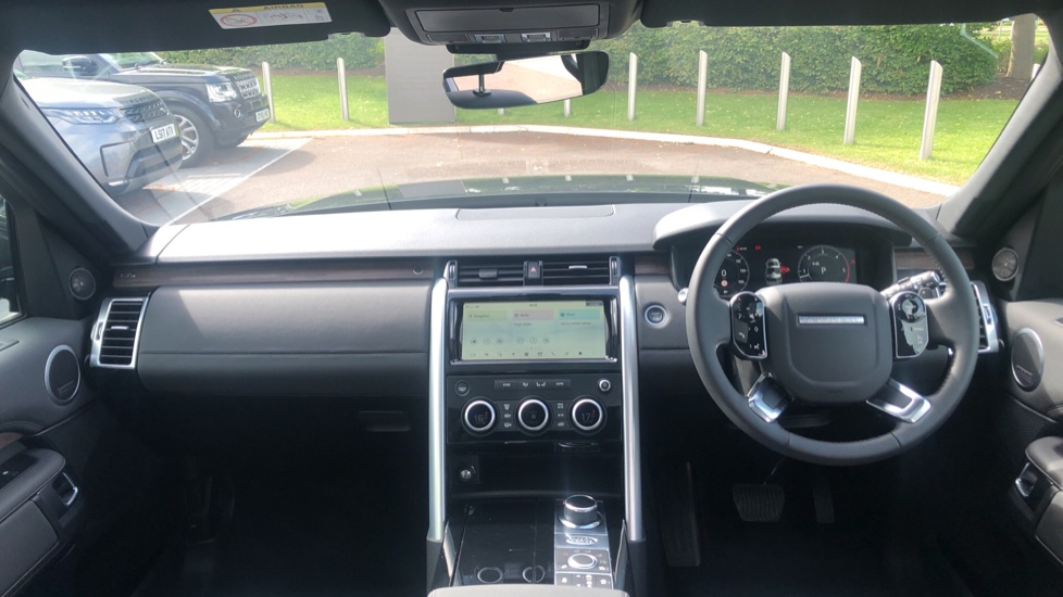 Land Rover Discovery 3.0 SDV6 HSE 5dr image 9