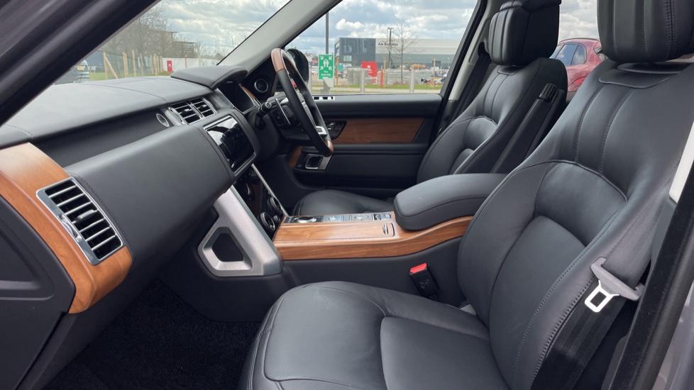 Land Rover Range Rover 3.0 D300 Autobiography 4dr 22