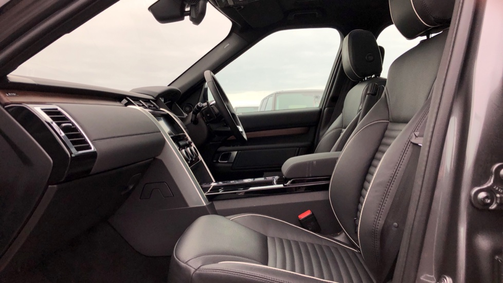 Land Rover Discovery 2.0 SD4 HSE 5dr image 3