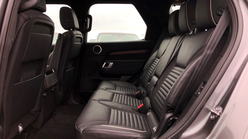Land Rover Discovery 2.0 SD4 HSE 5dr image 4