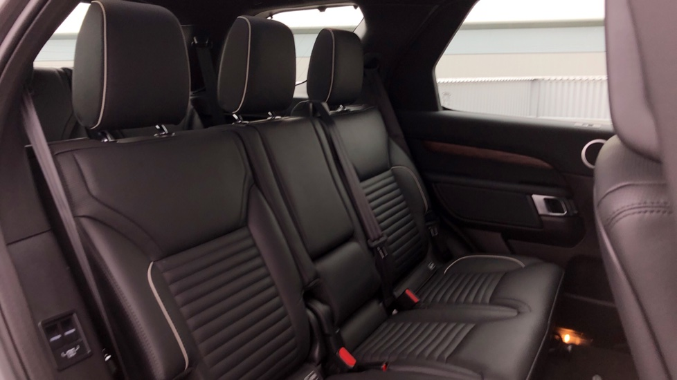 Land Rover Discovery 2.0 SD4 HSE 5dr image 30