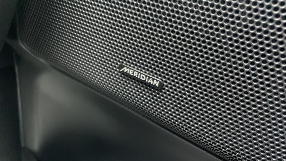 Land Rover Freelander 2.2 TD4 XS 5dr MeridianTM Sound System Heated front seats image 13