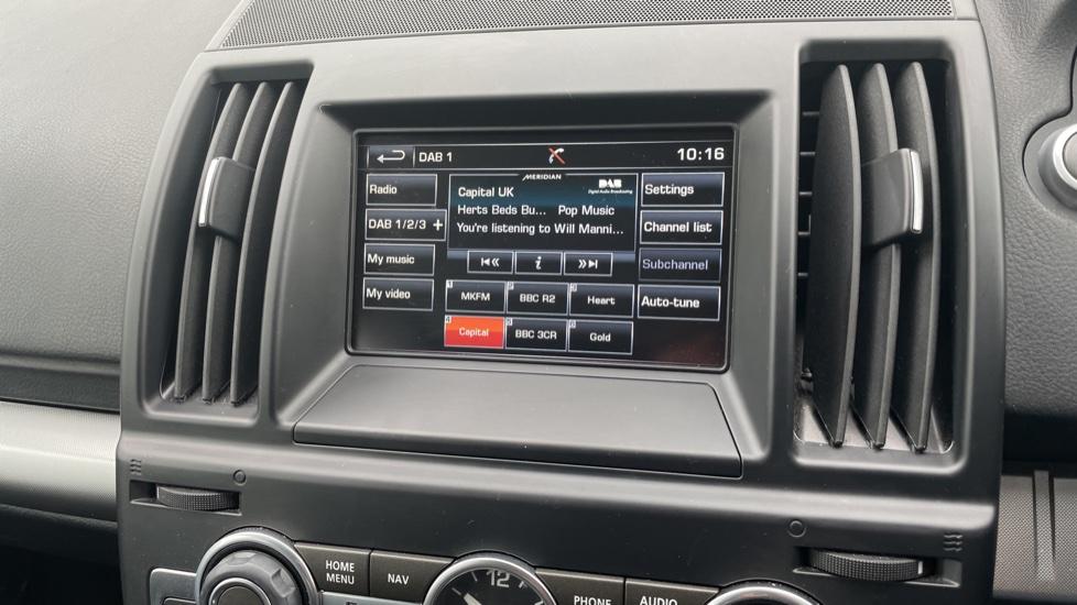 Land Rover Freelander 2.2 TD4 XS 5dr MeridianTM Sound System Heated front seats image 20