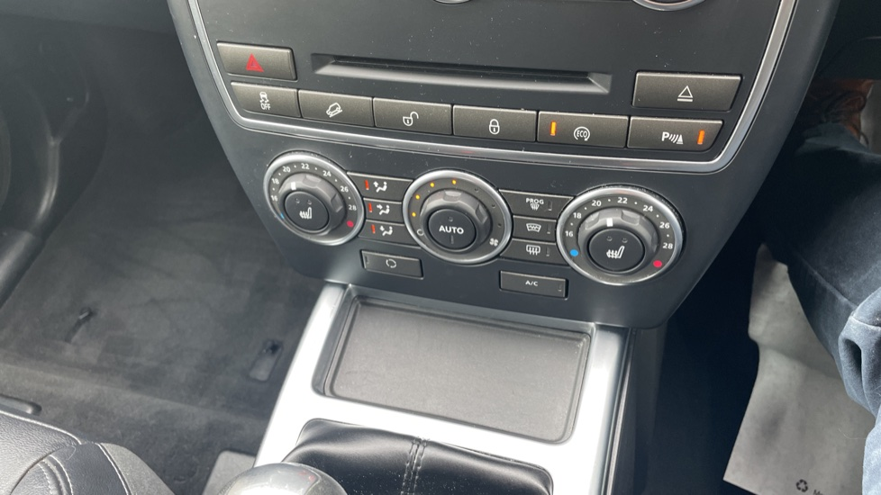 Land Rover Freelander 2.2 TD4 XS 5dr MeridianTM Sound System Heated front seats image 25