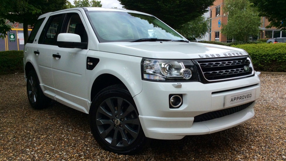 Land Rover Freelander 2.2 SD4 Dynamic 5dr Diesel Automatic 4x4 (2016) image
