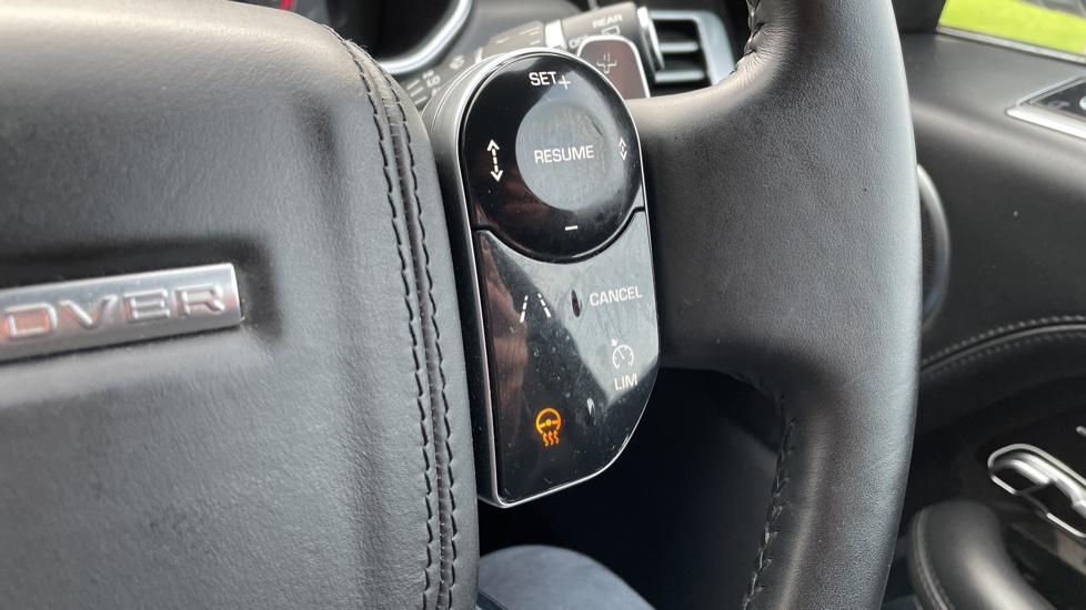 Land Rover Range Rover 4.4 SDV8 Autobiography 4dr image 19