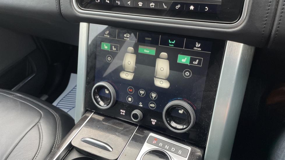 Land Rover Range Rover 4.4 SDV8 Autobiography 4dr image 37