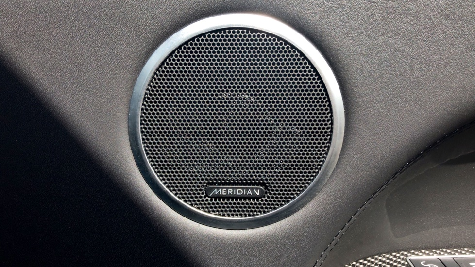 Land Rover Range Rover Sport 5.0 V8 S/C SVR 5dr image 17