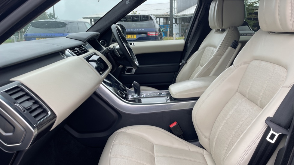 Land Rover Range Rover Sport 3.0 SDV6 Autobiography Dynamic 5dr Auto [7 Seat] 360 Surround Camera 8 inch Rear Seat Entertainment image 3