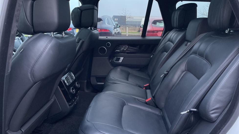 Land Rover Range Rover 4.4 SDV8 Autobiography 4dr image 4