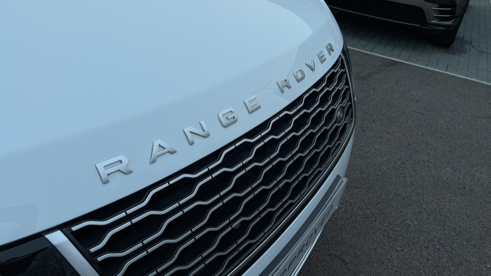 Land Rover Range Rover 4.4 SDV8 Autobiography 4dr image 11