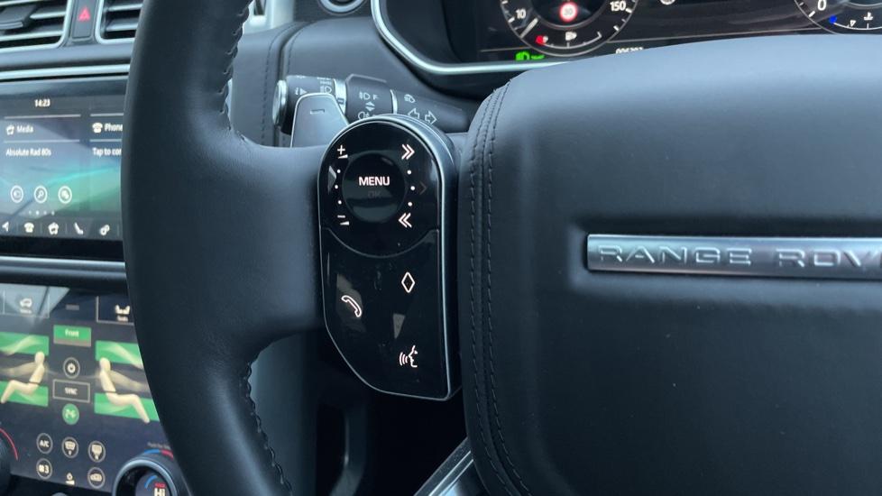 Land Rover Range Rover 4.4 SDV8 Autobiography 4dr image 17