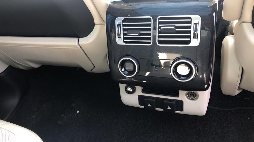 Land Rover Range Rover 4.4 SDV8 Vogue SE 4dr image 14