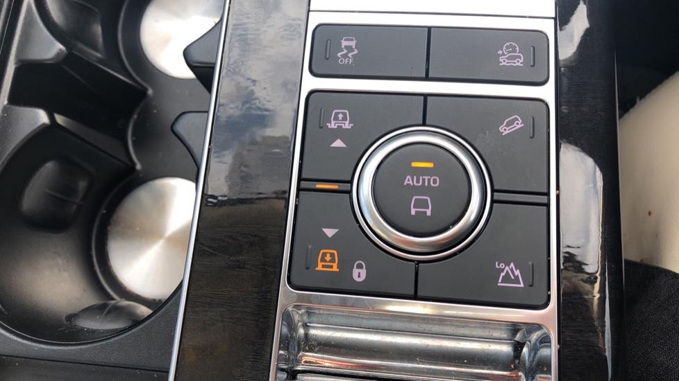 Land Rover Range Rover 4.4 SDV8 Vogue SE 4dr image 22