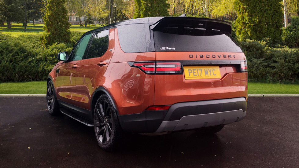 Land Rover Discovery 3.0 TD6 First Edition 5dr image 2