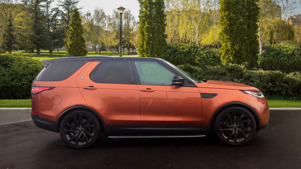 Land Rover Discovery 3.0 TD6 First Edition 5dr image 5