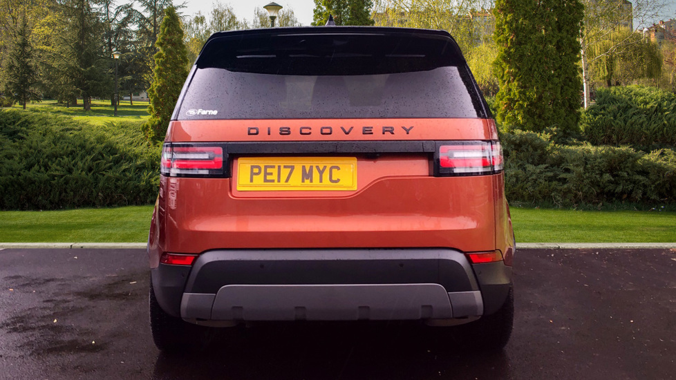Land Rover Discovery 3.0 TD6 First Edition 5dr image 6