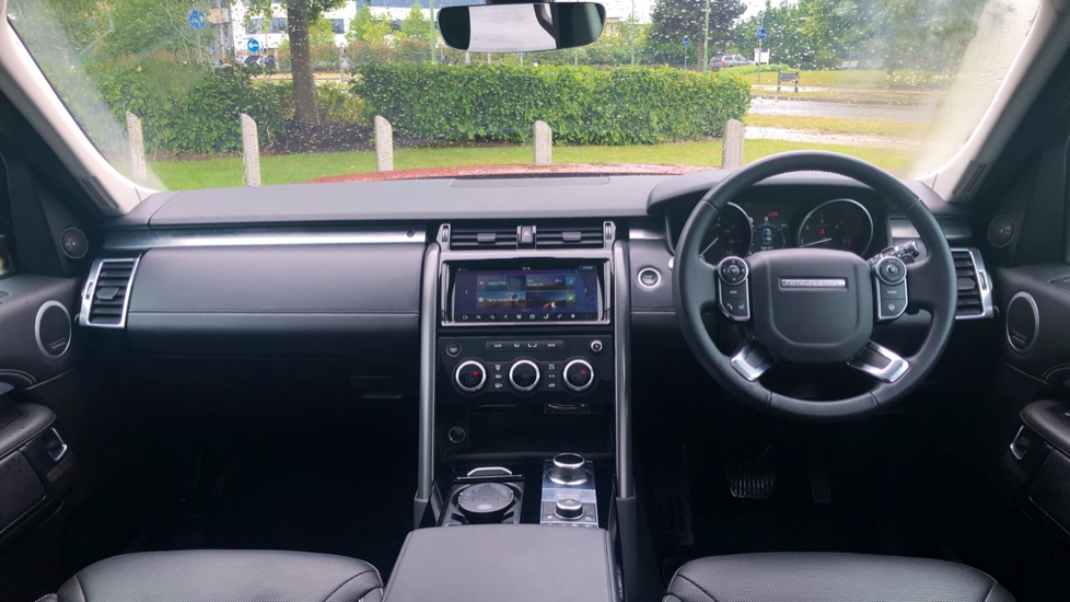 Land Rover Discovery 3.0 TD6 First Edition 5dr image 9