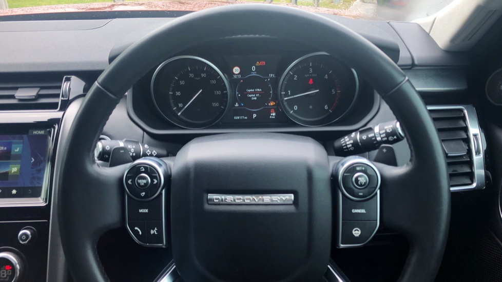 Land Rover Discovery 3.0 TD6 First Edition 5dr image 16