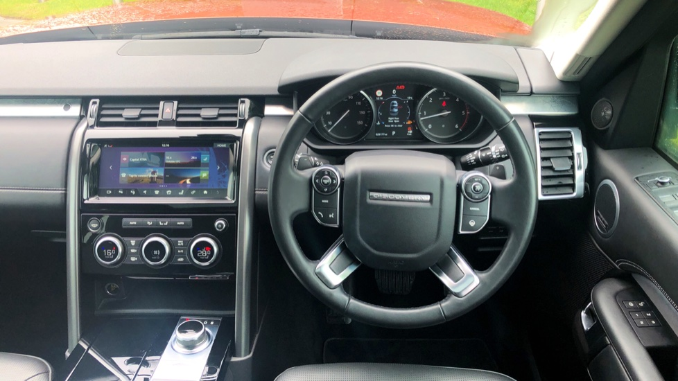 Land Rover Discovery 3.0 TD6 First Edition 5dr image 33