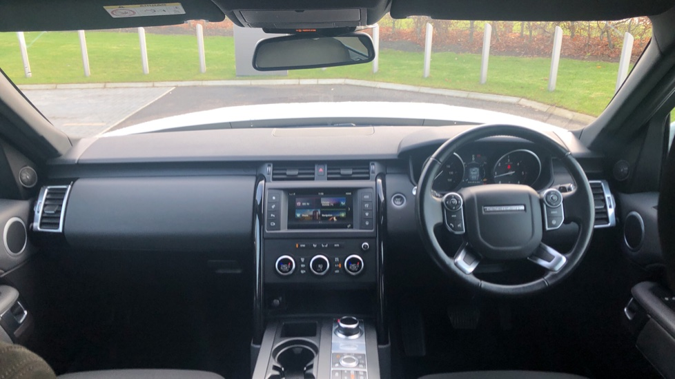 Land Rover Discovery 2.0 SD4 S 5dr image 9