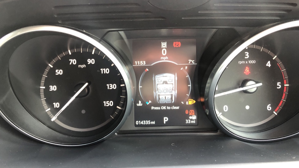 Land Rover Discovery 2.0 SD4 S 5dr image 13