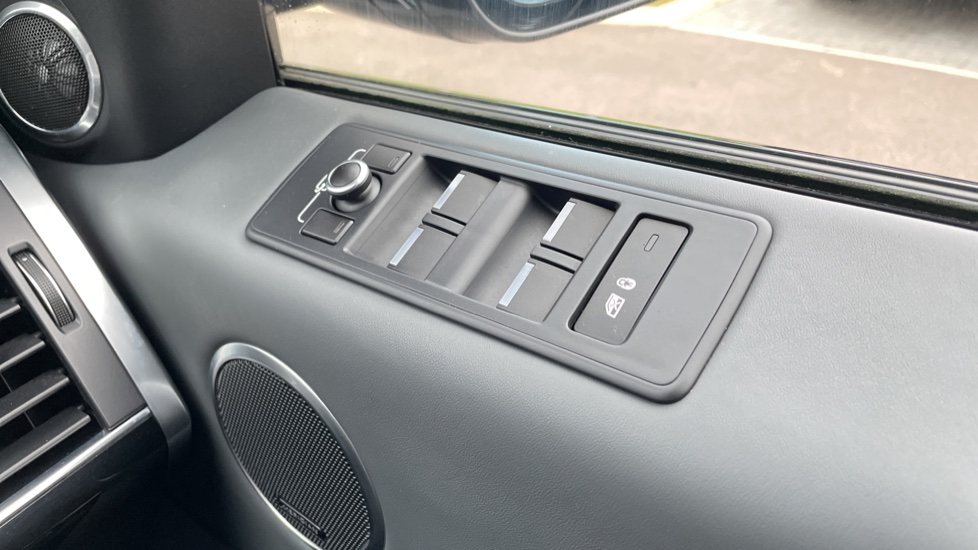 Land Rover Range Rover Sport 4.4 SDV8 Autobiography Dynamic 5dr image 13
