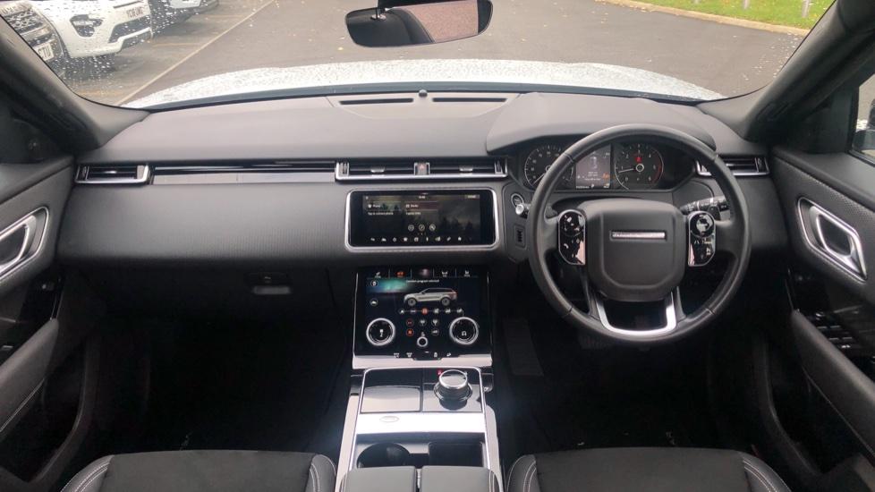 Land Rover Range Rover Velar 2.0 D180 5dr image 9